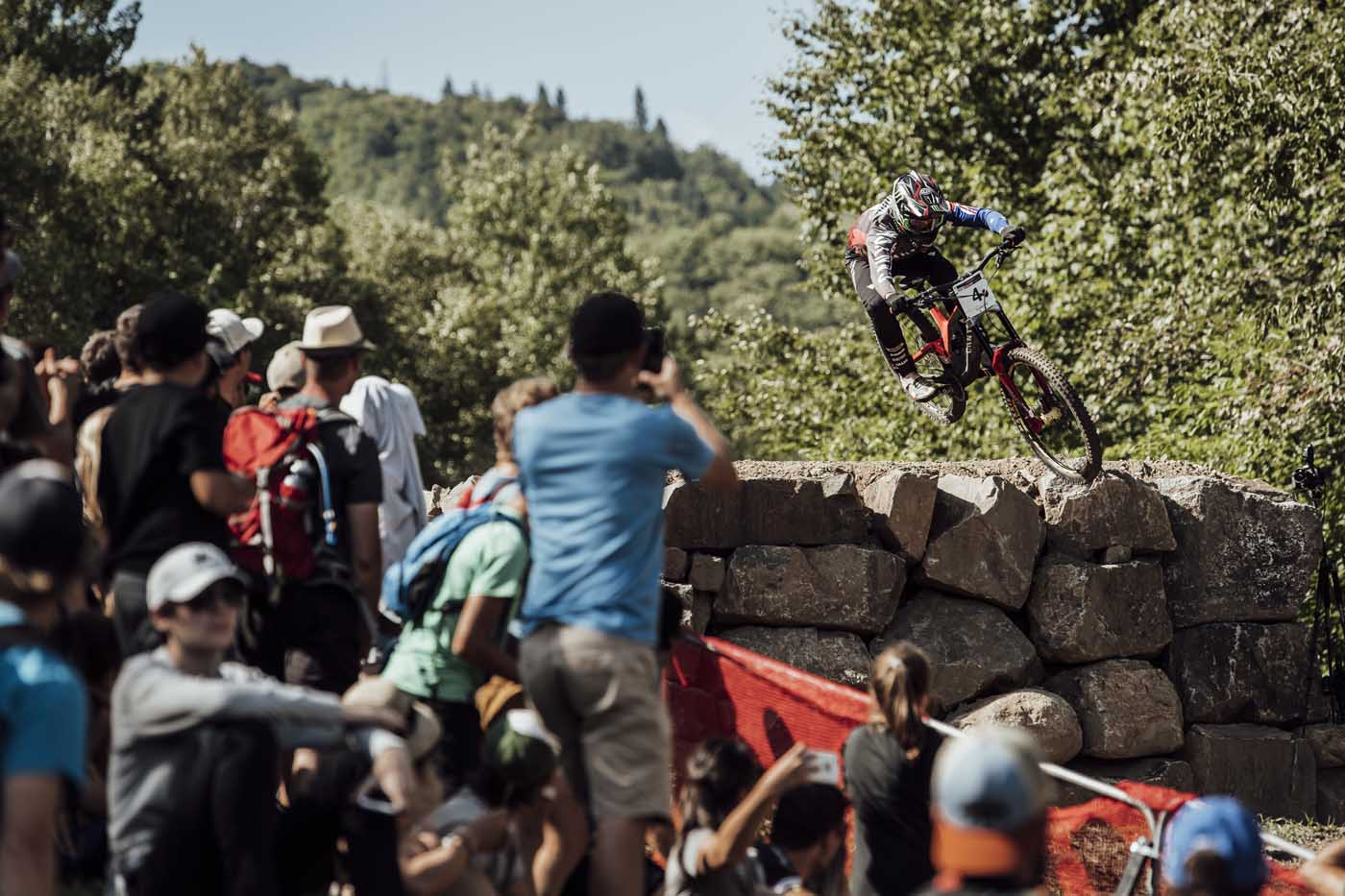 43dd46140d0 No matter how many times the world cup returns to Mont-Sainte-Anne, the  track never gets old and the high-speed course remains a favourite with  riders and ...