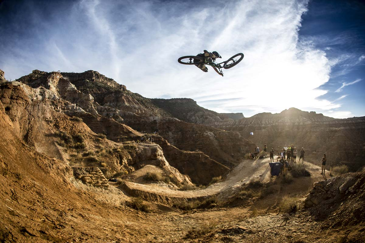 Graham Agassiz rides during Red Bull Rampage in Virgin, UT, USA on 13 October, 2016. // Christian Pondella/Red Bull Content Pool // P-20161014-00351 // Usage for editorial use only // Please go to www.redbullcontentpool.com for further information. //
