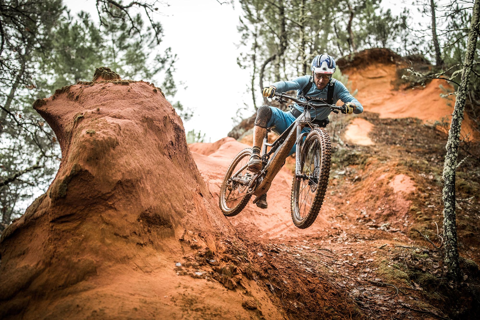 Pro [E]Bike Check // Fabien Barel's Canyon Spectral:ON - [R